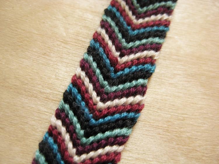 给你的发卡换新衣---手编毛线发卡 - 钩针姐姐 -  ---钩花博客钩针图解---