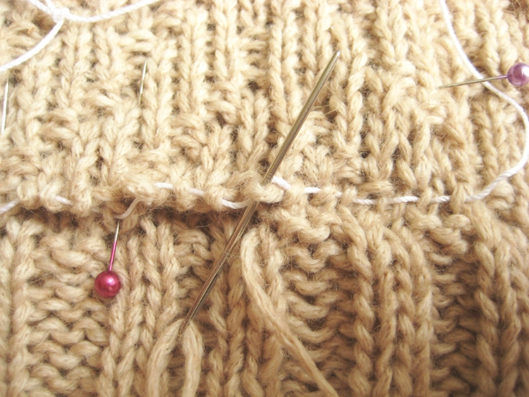 How Do You Graft Knitting Stitches Together : Grafting Knitting - How Did You Make This? Luxe DIY