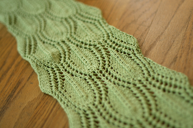 Falling Leaves Scarf - How Did You Make This? | Luxe DIY
