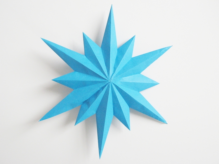 Paper stars part 3 how did you make this luxe diy for How to make a big paper star