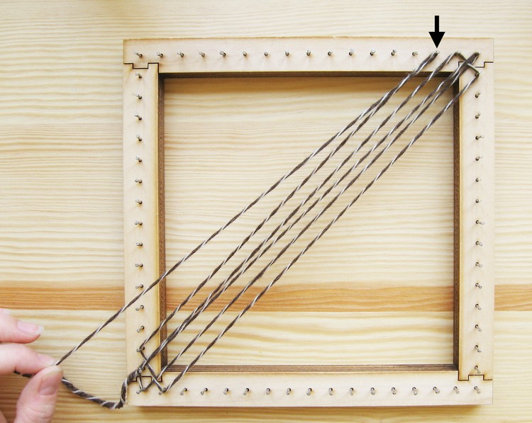 Square Pin Loom Speed Weaving